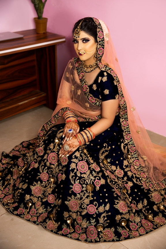 Beautiful Bridal lehenga on rent with Embroidered work